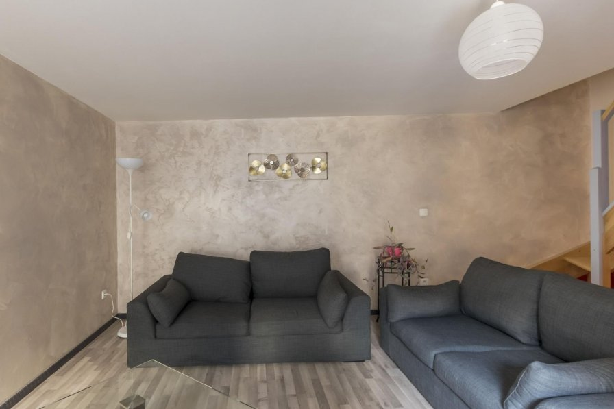 Apartment in France, Moissey