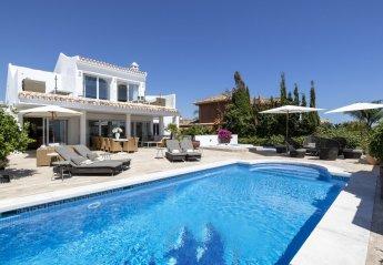 6 bedroom Villa for rent in Las Chapas