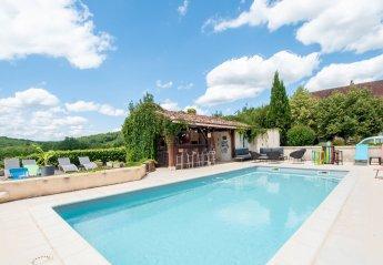 5 bedroom Villa for rent in Gourdon