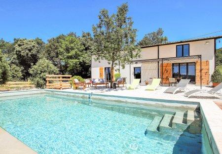 Villa in La Garde-Adhémar, France