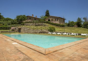7 bedroom Villa for rent in Todi