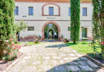 6 bedroom Villa for rent in Montepulciano