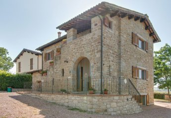5 bedroom Villa for rent in Gubbio