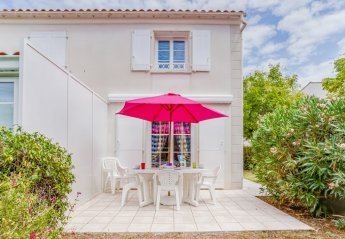 2 bedroom Villa for rent in Royan