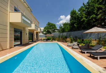 6 bedroom Villa for rent in Athens