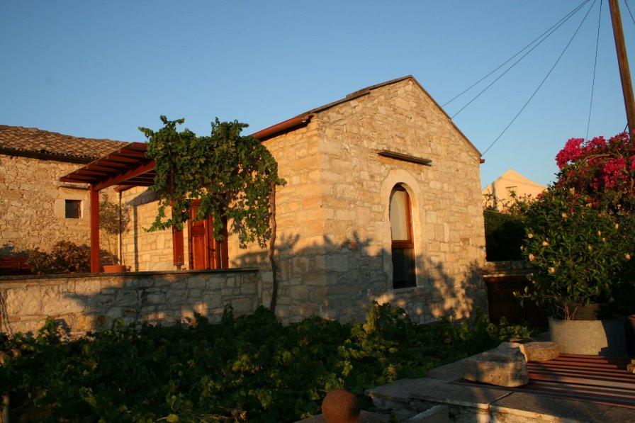 Village house in Greece, Douliana