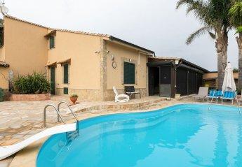 4 bedroom Villa for rent in Campofelice di Roccella