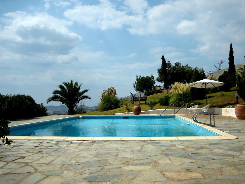 Country house in Greece, Athens Beach: September by the pool