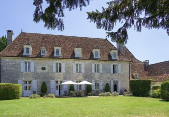 5 bedroom Chateau for rent in Gourdon
