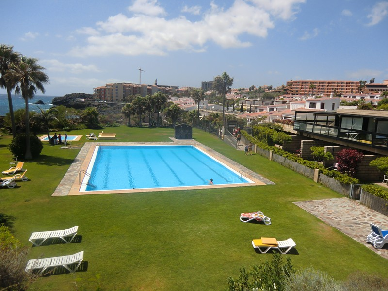 Villa in Spain, Golf del Sur: Lovely sea front pool area