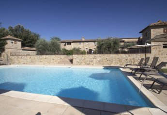 9 bedroom Farmhouse for rent in Colle di Val d'Elsa