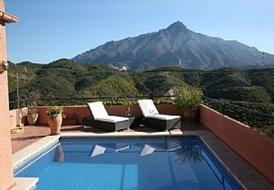 4 bedroom villa outside Puerto banus