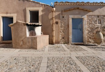 7 bedroom Farmhouse for rent in Noto