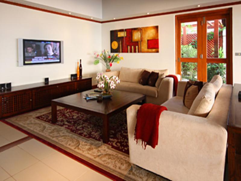 Villa in Thailand, Patong beach: Living area - TV corner