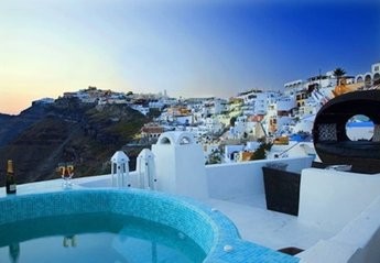 Villa in Greece, Fira Town