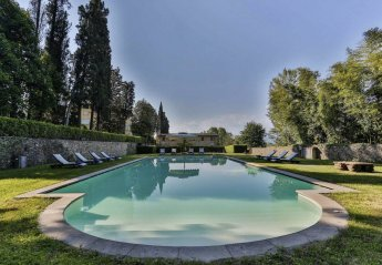 12 bedroom Chateau for rent in Capannori