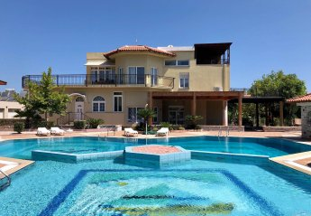 6 bedroom Villa for rent in Ialyssos