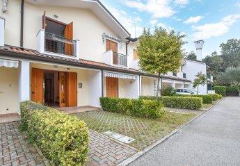 2 bedroom Villa for rent in Rosolina Mare