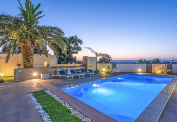 6 bedroom Villa for rent in Ragusa