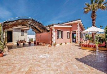 4 bedroom Villa for rent in Noto
