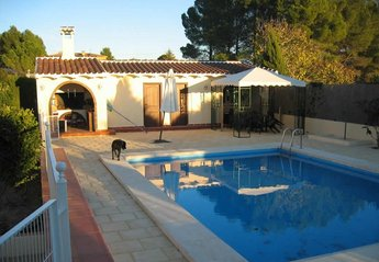 Apartment in Spain, Ontinyent: pool & BBQ area - no dog now!