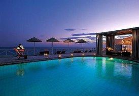 Suites complex in Santorini