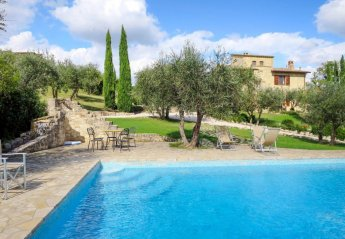 5 bedroom Villa for rent in Collazzone