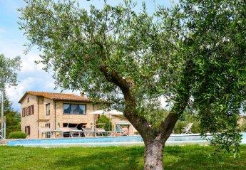 4 bedroom Villa for rent in Collazzone