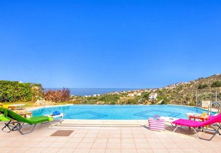 Villa in Plaka, Crete