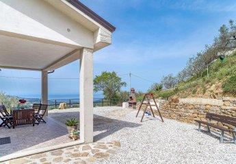 3 bedroom Villa for rent in Laureana Cilento