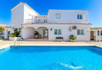 7 bedroom Villa for rent in Benalmadena