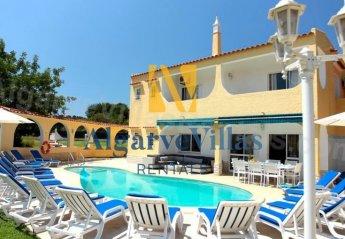 10 bedroom Villa for rent in Quarteira