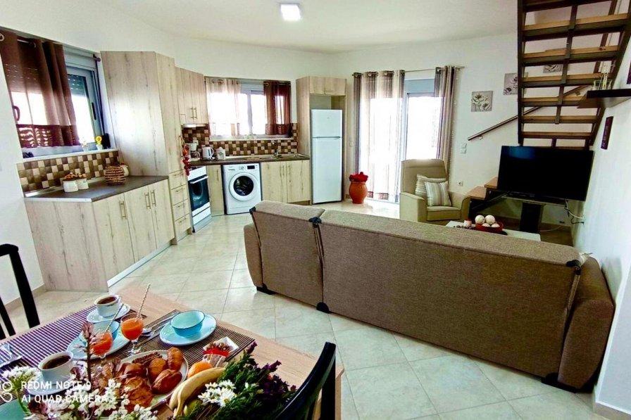 Apartment in Greece, Lahania