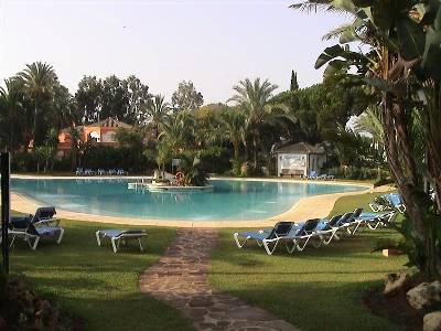 Apartment in Spain, Estepona: Huge main pool in spacious lawns