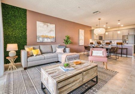 Apartment in Four Corners, Florida