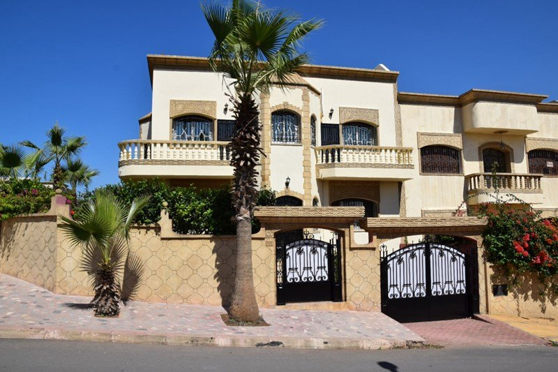 Villa Yasmine, 2 air-conditioned bedrooms in Sale