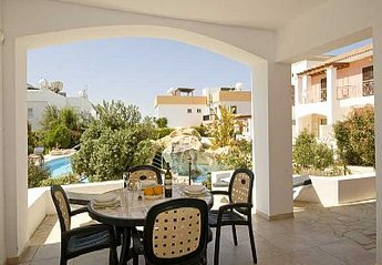 Apartment in Cyprus, Tombs of the Kings: Shaded Terrace out to Pool