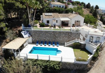 3 bedroom Villa for rent in Almunecar