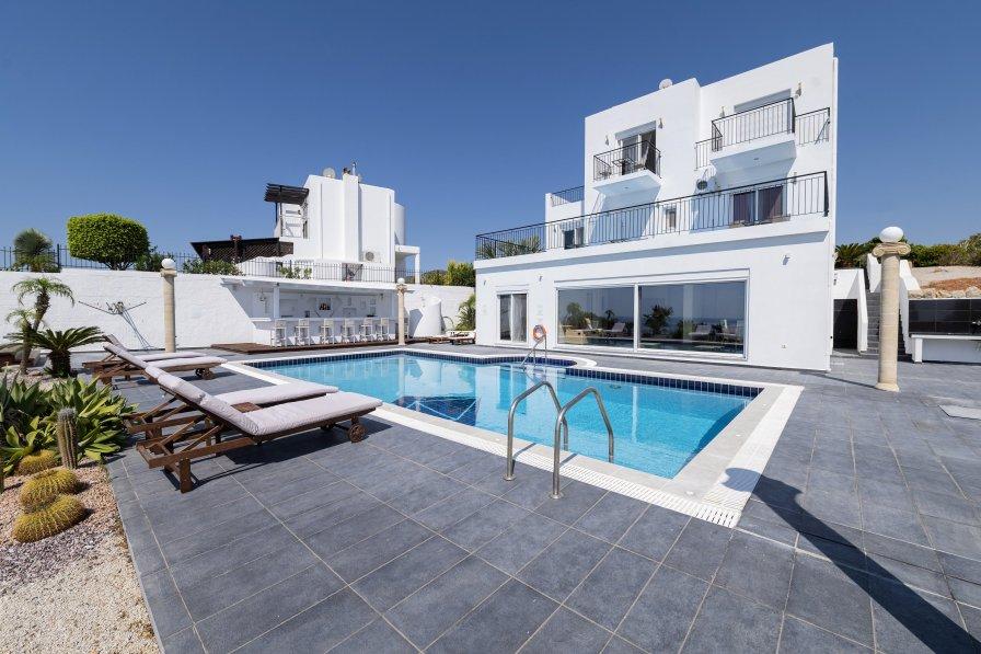 Villa in Greece, Gennadi