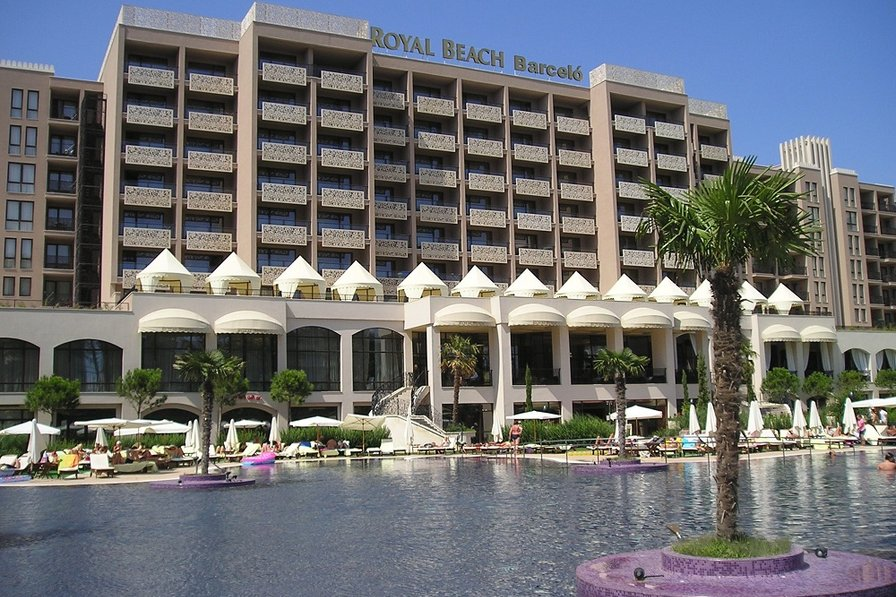 Owners abroad Royal Beach Hotel 5* Apartment with free Wi-Fi