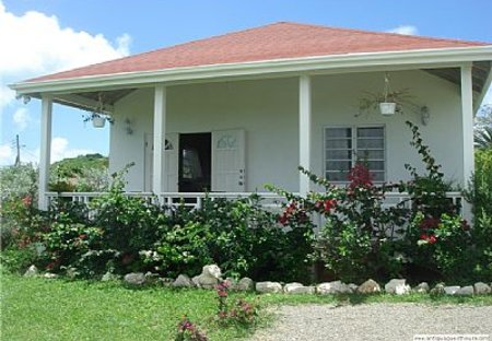 House in Friars Hill, Antigua and Barbuda: outside