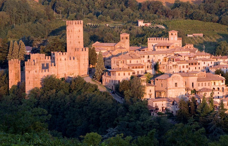 Country house in Italy, Corti: Castell'arquato one of our local castles