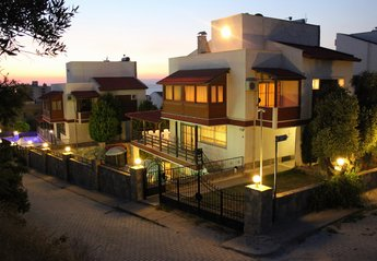 6 bedroom Villa for rent in Kusadasi