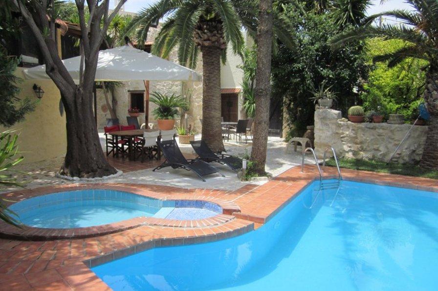 Owners abroad Villa Maria Giannoudi
