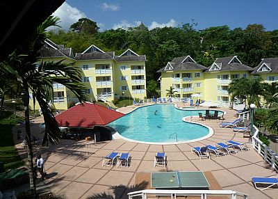 Apartment in Jamaica, St. Anns Bay: View of Apartment - top 2 floors