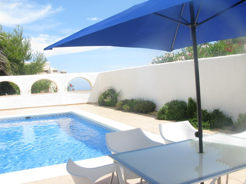 Villa in Spain, Cumbre del Sol: Luxury 2 bed villa with private pool in arched courtyard