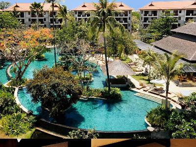 Penthouse apartment in Indonesia, Nusa Dua Peninsular: swimming pool with space to relax