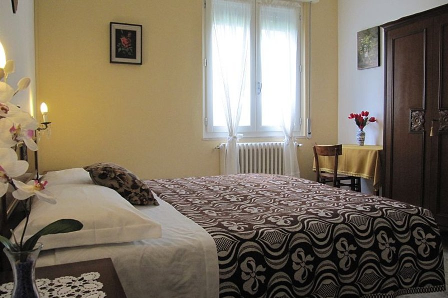 Apartment in Italy, Salsomaggiore Terme: double bedroom