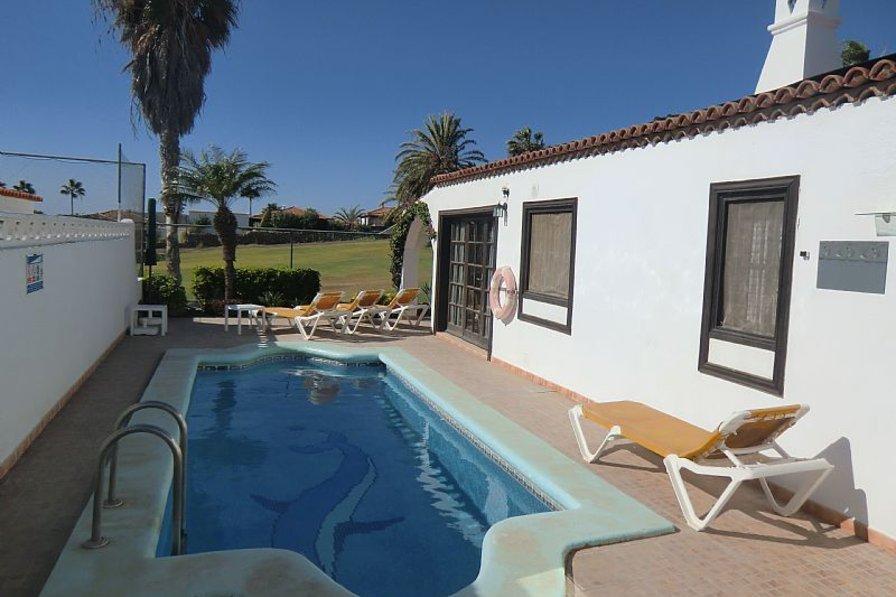 Villa in Spain, Amarilla Golf: Lovely sunny pool area