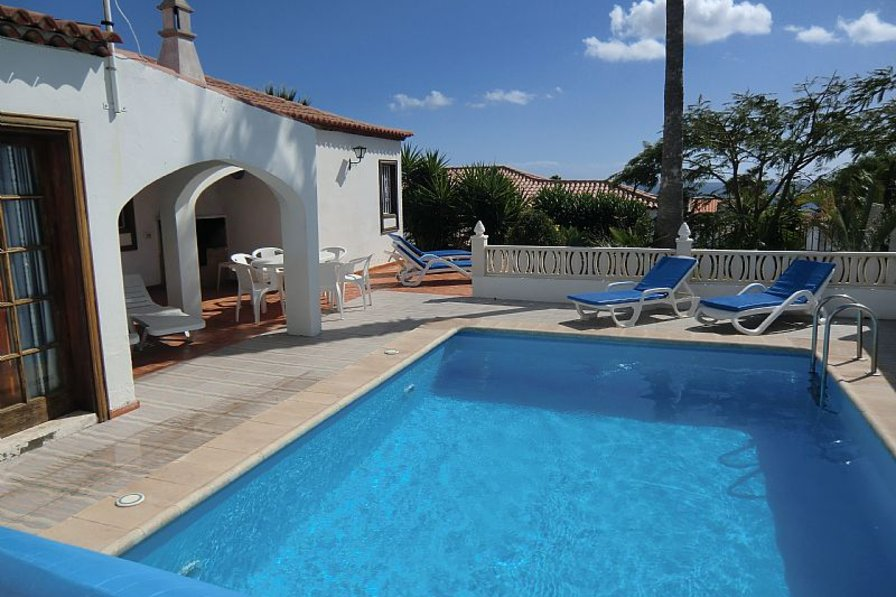 Villa in Spain, Amarilla Golf: The gorgeous pool area